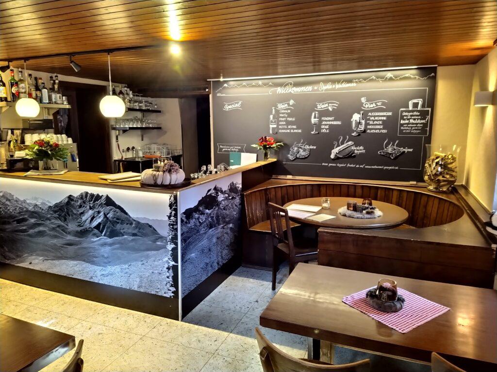 Restaurant Grängjerstuba Grengiols Walliser Spezialitäten Aletsch Goms Bar und Bistro