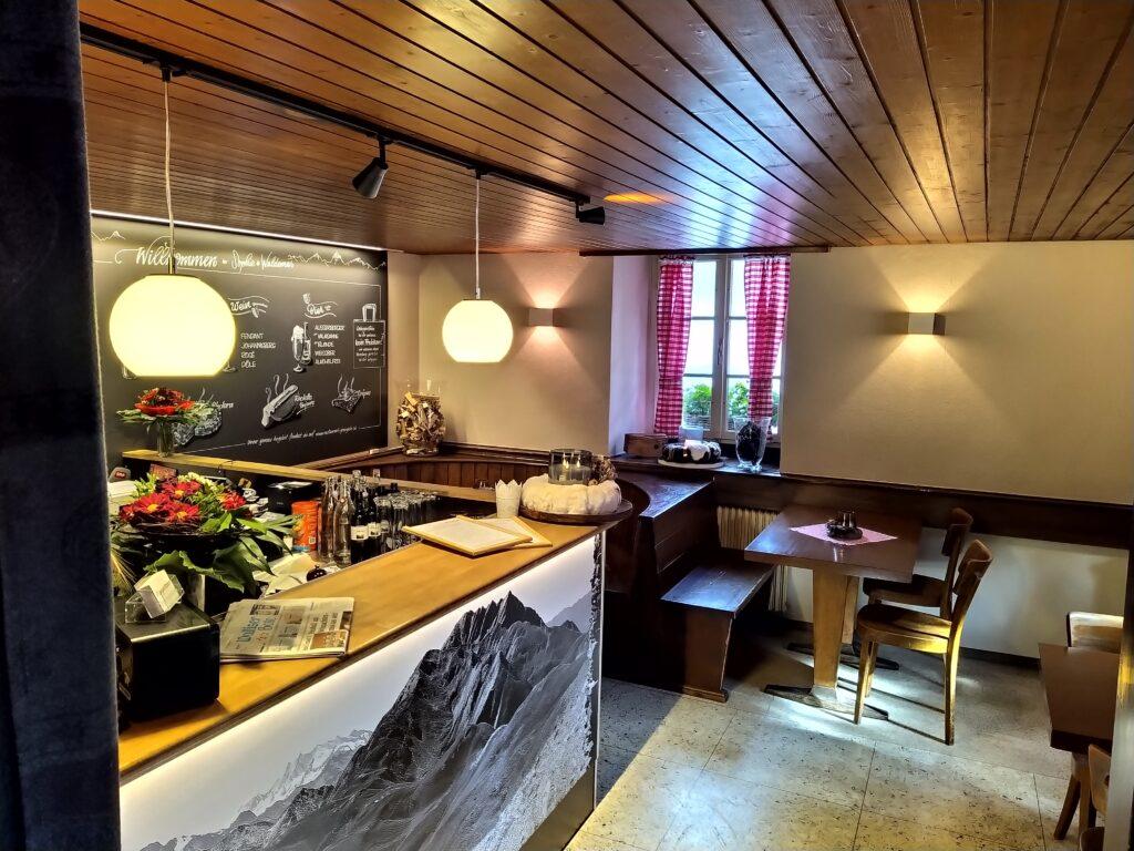Restaurant Grängjerstuba Grengiols Walliser Spezialitäten Aletsch Goms Bar und Bistro 2