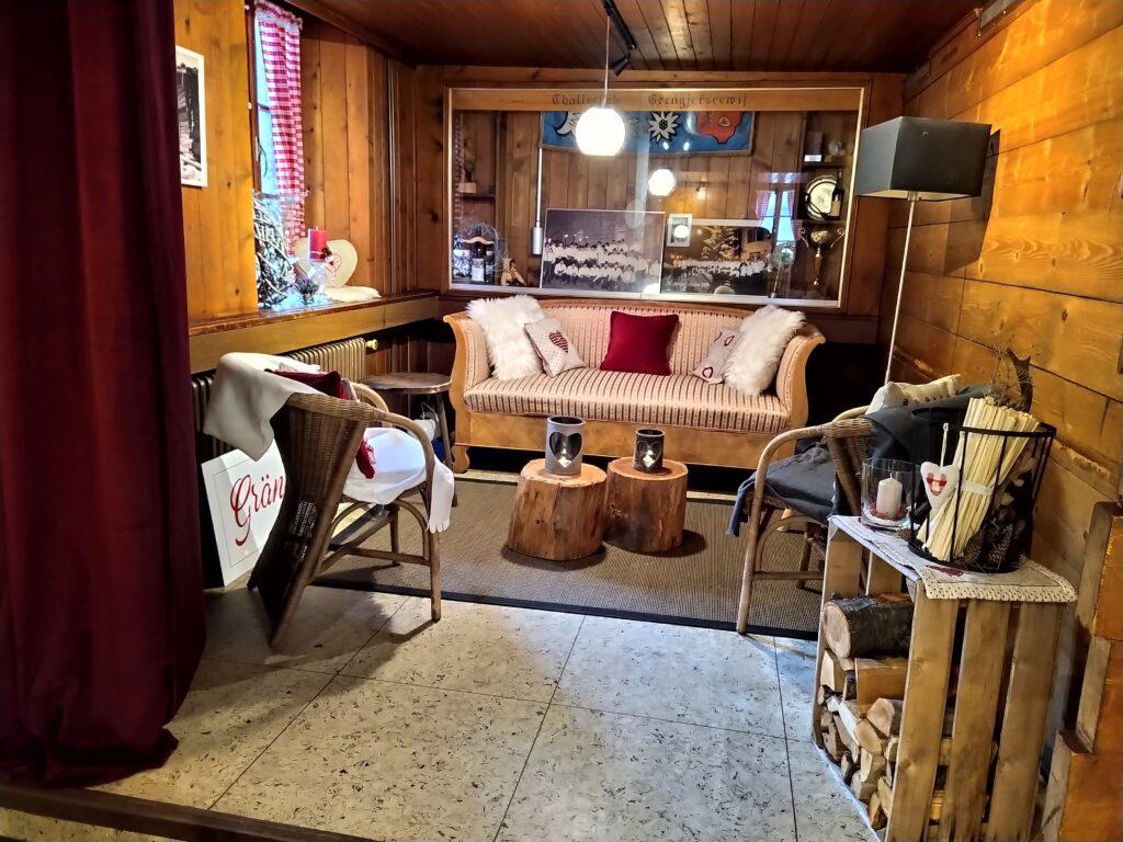 Restaurant Grängjerstuba Grengiols Walliser Spezialitäten Aletsch Goms Lounge Ecke