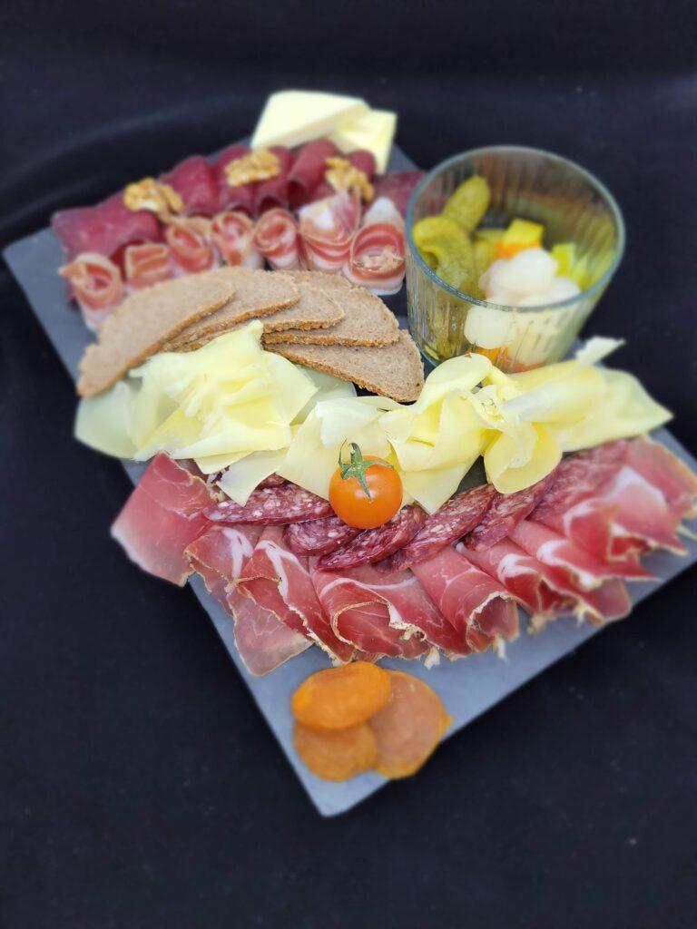 Walliser Teller Trockenfleisch Wallis Restaurant Grängierstuba Grengiols